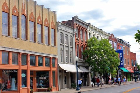 best small towns in TN
