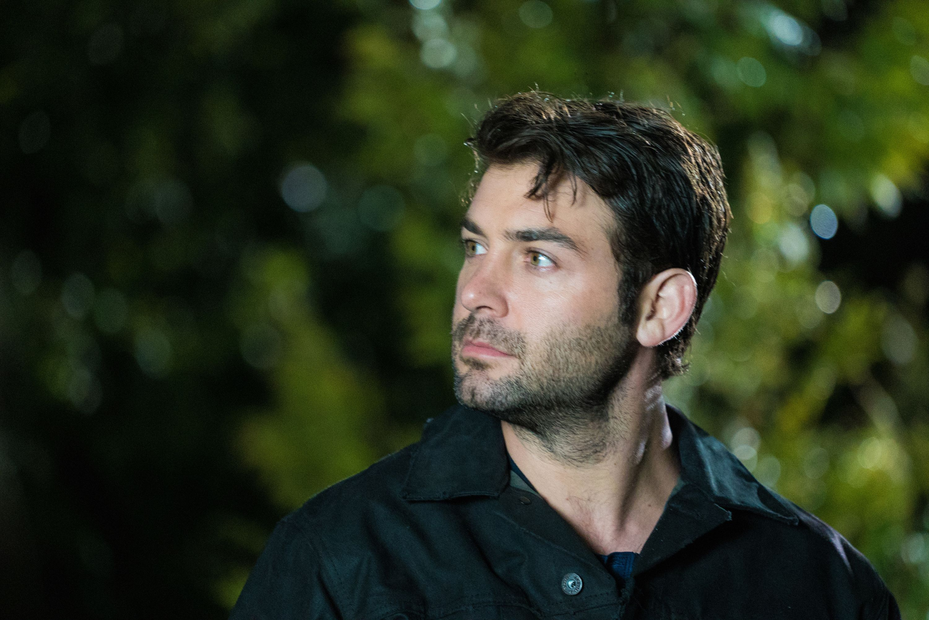 Cbs Cancels James Patterson Based Thriller Zoo After Three Seasons