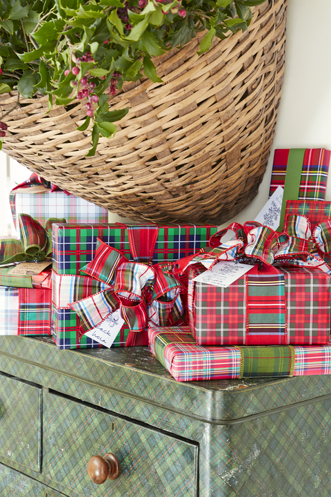 gift-wrapping ideas plaid patterns