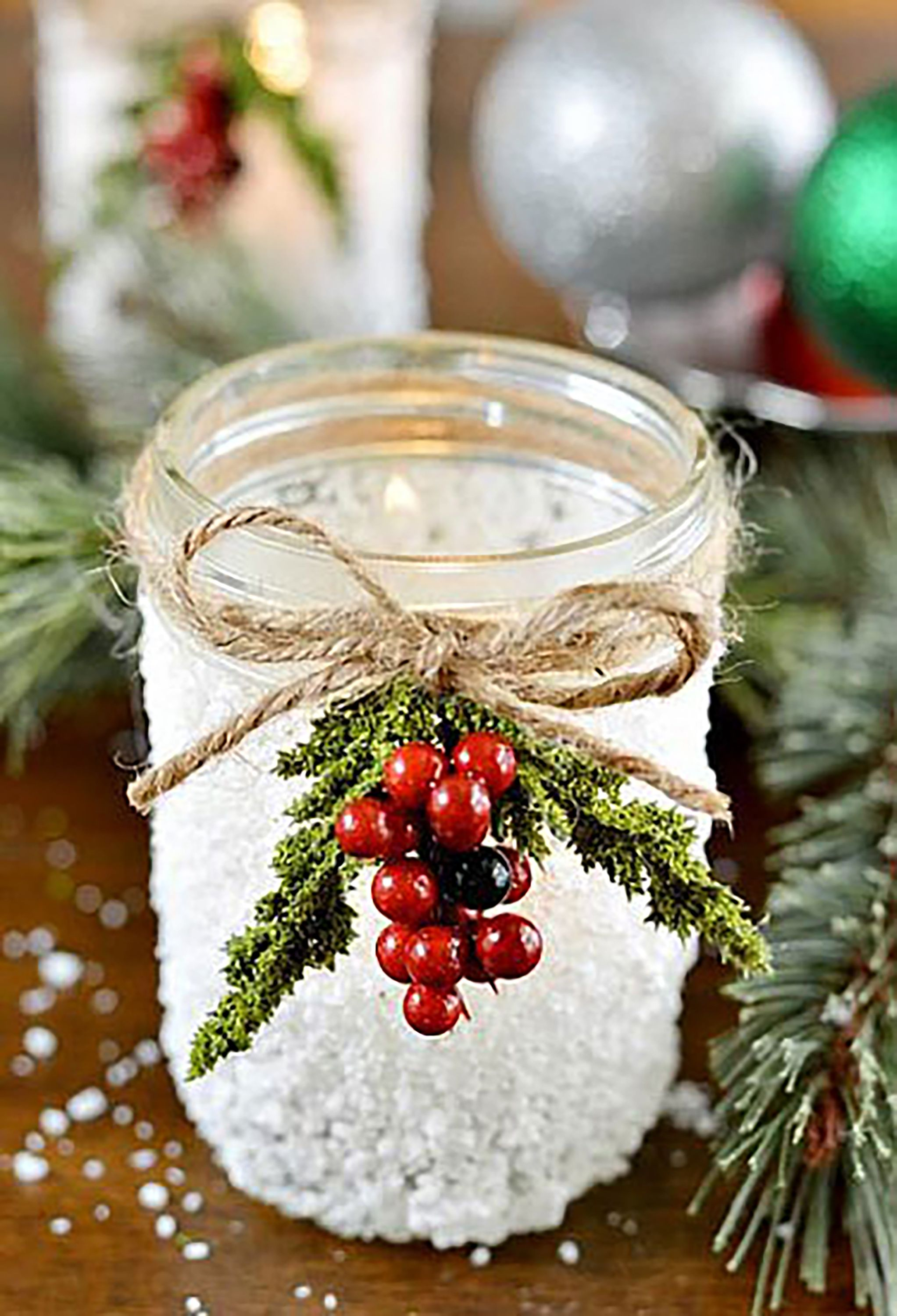 40 mason jar christmas crafts fun diy holiday craft projects - Christmas Jar Decorations