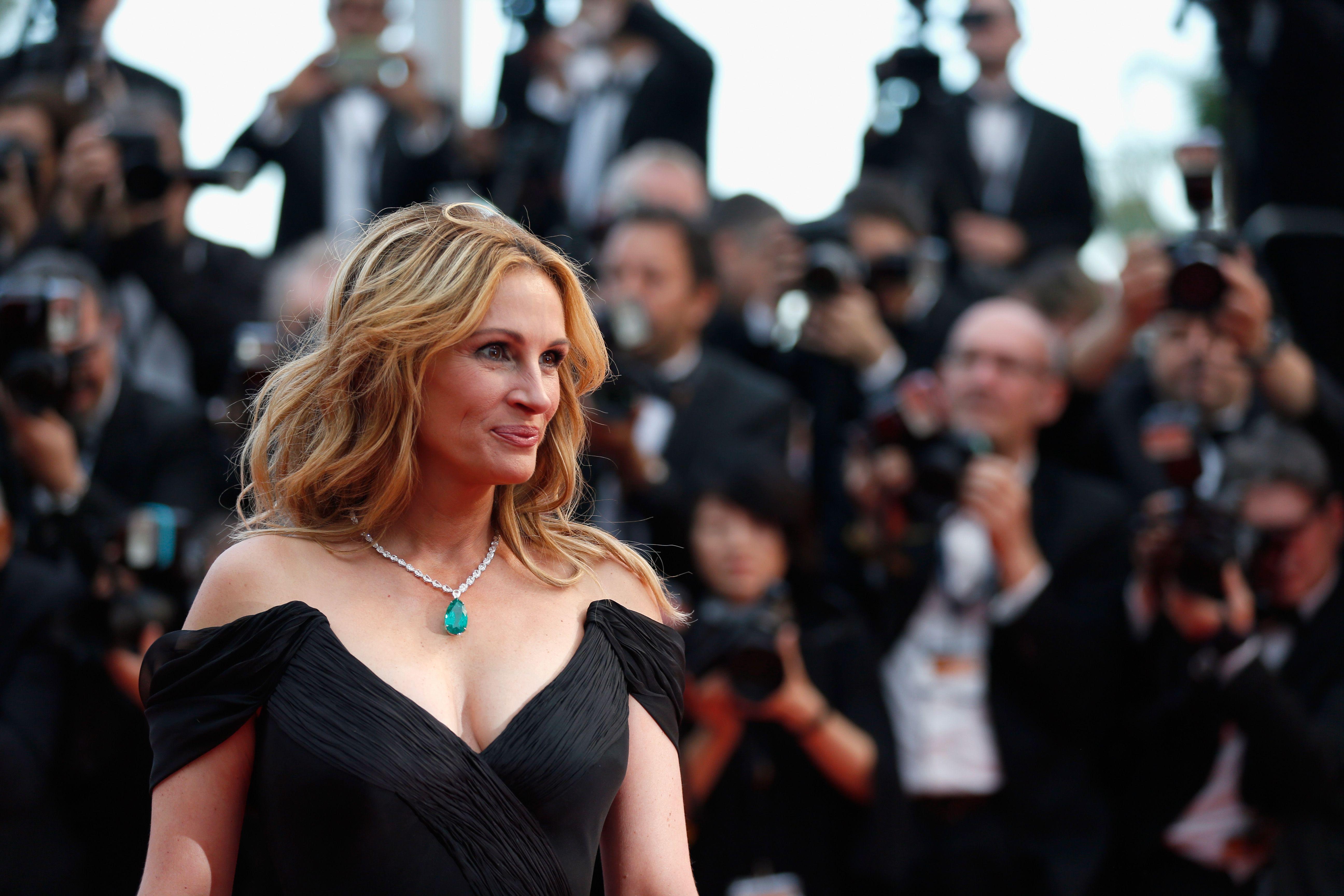 photo Exactly How Julia Roberts Makes 49 Look Like 34