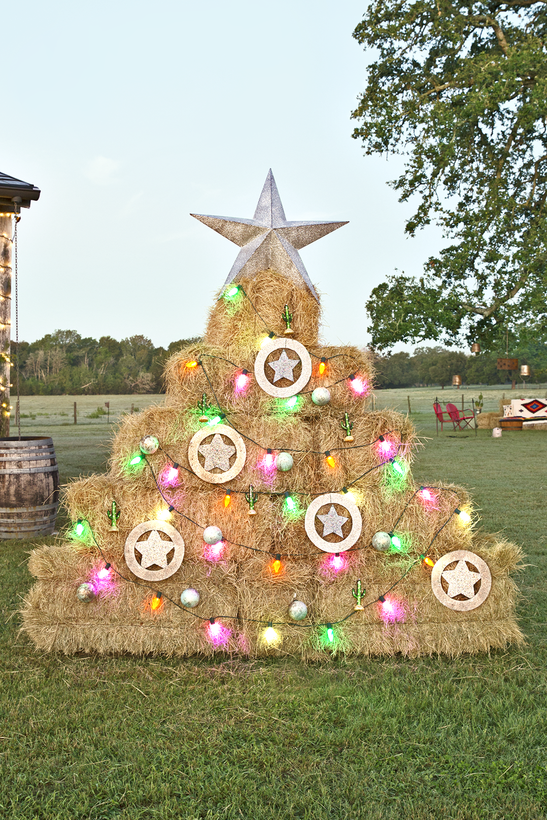 hay bale, christmas decorations