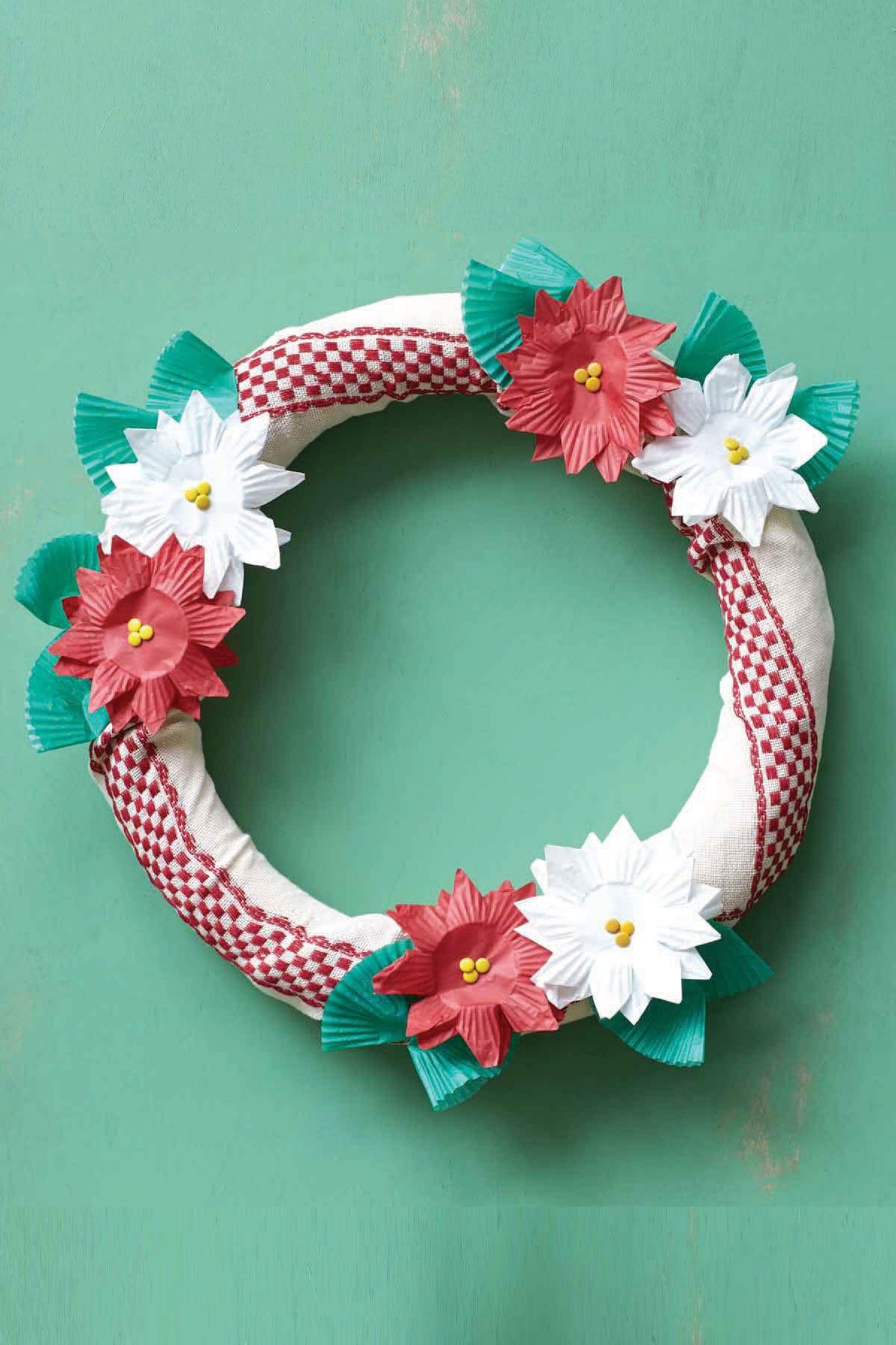 50 diy christmas wreath ideas how to make holiday wreaths crafts solutioingenieria Gallery