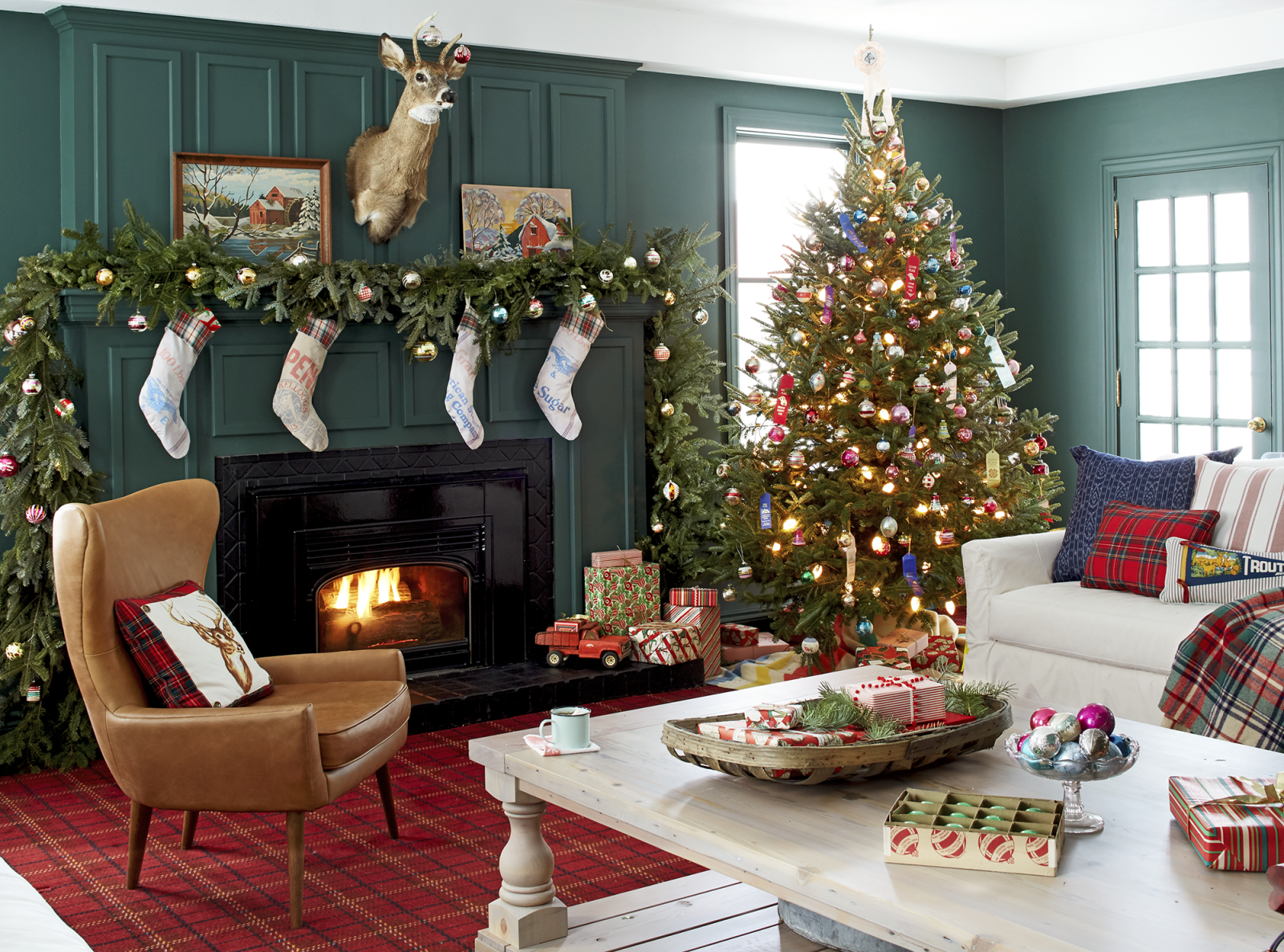 30 best christmas home tours houses decorated for christmas rh countryliving com decorating for christmas outside decorating for christmas 2018