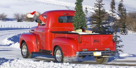 Snow, Winter, Mountainous landforms, Mountain, Geological phenomenon, Transport, Vehicle, Truck, Tree, Car,