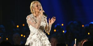 carrie underwood memorial cma