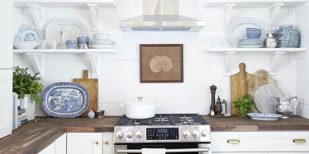 This Kitchen Remodel Makes Open Shelves Look Cute—Not Cluttered