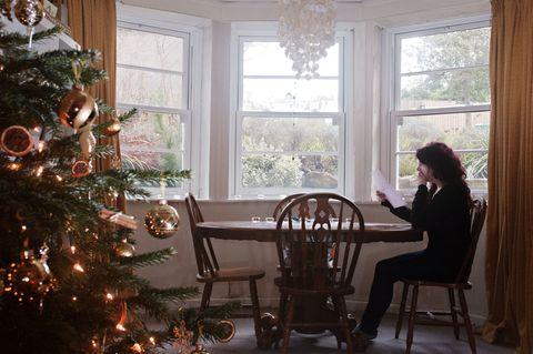 Christmas, Christmas tree, Home, Room, Christmas decoration, Tree, Christmas ornament, Christmas eve, Holiday, Interior design,