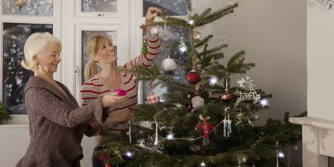 Mother Christmas.Christmas Traditions For Mothers And Daughters Mother