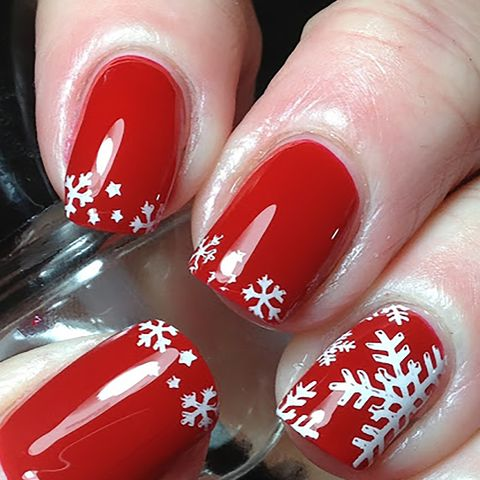 30 christmas nail art design ideas 2020 easy holiday manicures 30 christmas nail art design ideas 2020