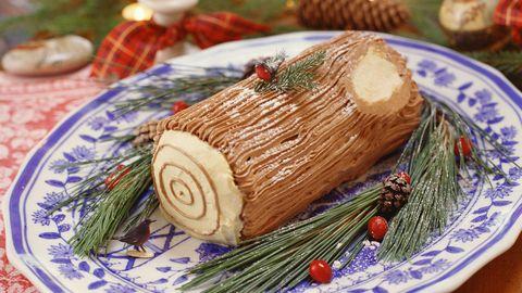 Dish, Food, Cuisine, Yule log, Ingredient, Roulade, Spekkoek, Dessert, Produce,