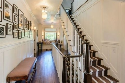 Stairs, Property, Building, Interior design, Handrail, Room, Ceiling, Architecture, House, Floor,