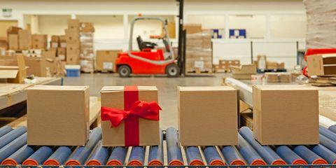 shipping christmas gifts