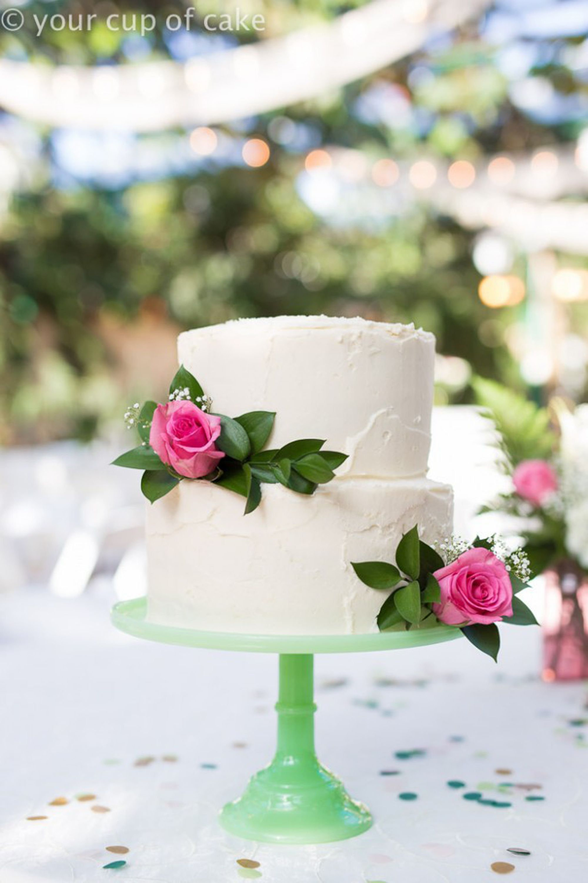 Picture of easy wedding cakes with flowers