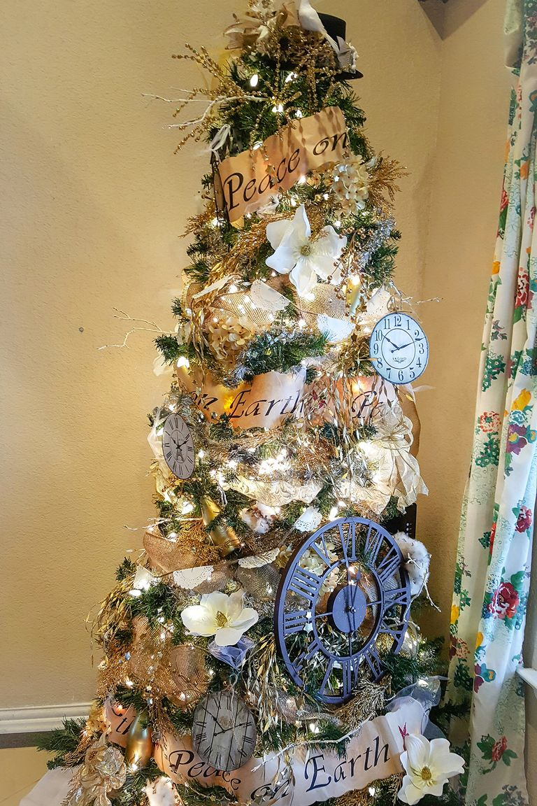 New Year Tree Decorating Ideas - New Year Tree Tradition ...