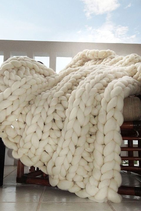 chunky knit blanket for sale on amazon affordable chunky knit throw blankets. Black Bedroom Furniture Sets. Home Design Ideas