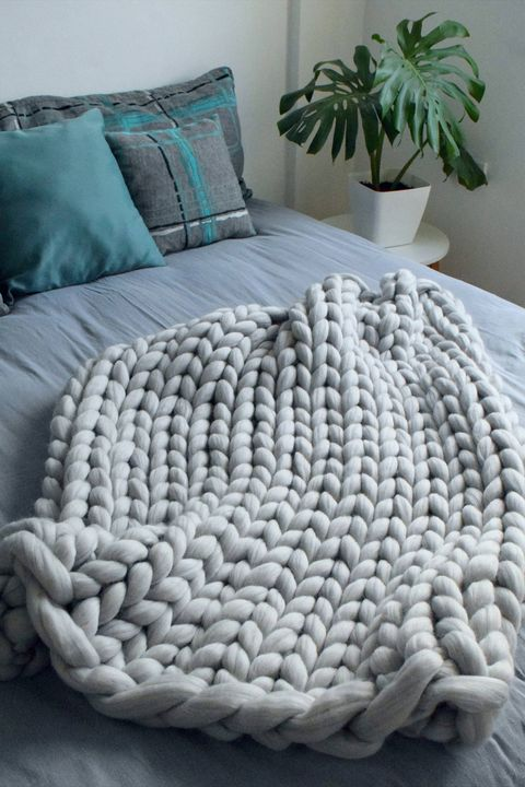 Bedding, Bed sheet, Turquoise, Blue, Aqua, Furniture, Textile, Bedroom, Teal, Room,