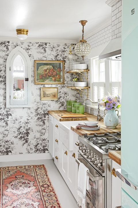 Neutral Floral Wallpaper Bathroom