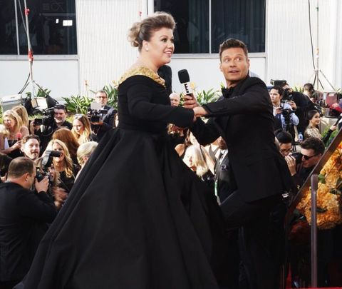 Kelly Clarkson and Ryan Seacrest at the 2018 Golden Globes