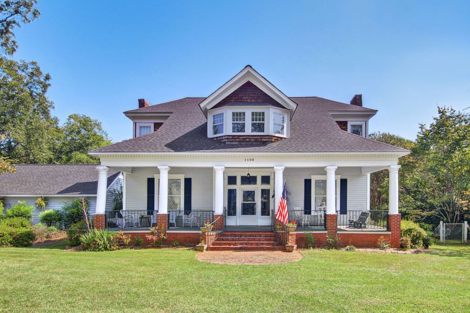 craftsman houses for sale craftsman house real estate listings and rh countryliving com craftsman style cabins craftsman style houses american