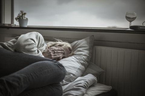 Comfort, Room, Furniture, Light, Lighting, Couch, Bed, Bedroom, Bed sheet, Bedding,