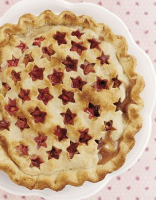 pie with star cutout crust