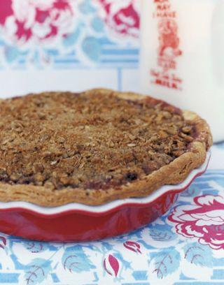 pie with crumble top crust