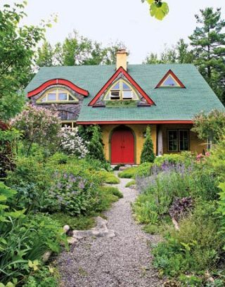 Cottage Garden Landscaping Straw Bale House