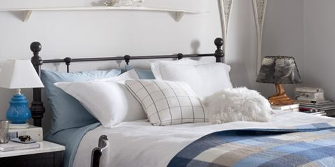 Country White Guest Room