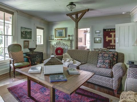 Wood, Interior design, Room, Brown, Living room, Green, Floor, Home, Furniture, Table,