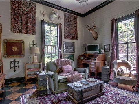 Wood, Room, Interior design, Brown, Floor, Living room, Home, Flooring, Furniture, Wall,