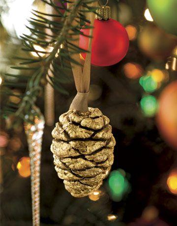 25 Pine Cone Crafts - DIY Christmas Decorations & Ornament Ideas Using Pine Cones
