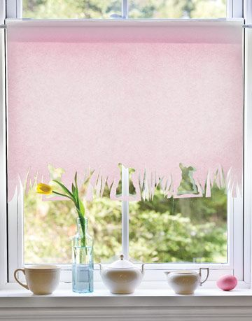 Pale Pink Window Shade with Bunny in Grass Border