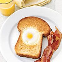egg toast and bacon