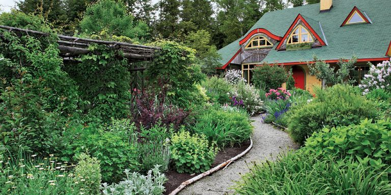 A Canadian Landscape Designer And His Wife Have Cultivated A Lush Cottage  Garden As An Extension Of Their Straw Bale House.