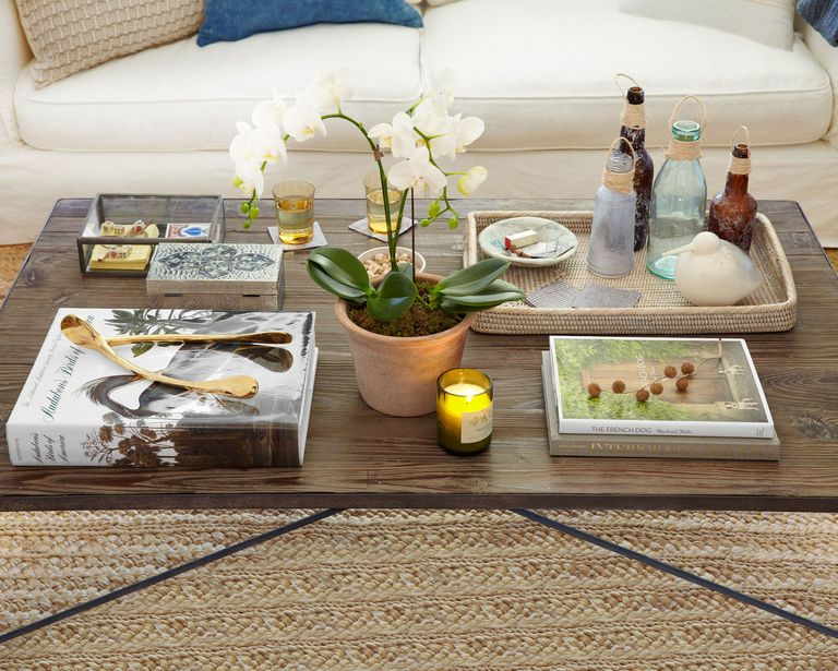 Coffee table decorating ideas wooden coffee tables for Revamp coffee table