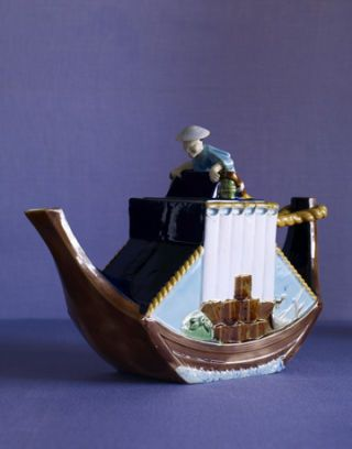 george jones teapot with boat design