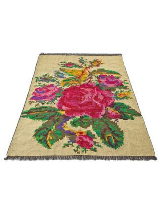 rug with flowers
