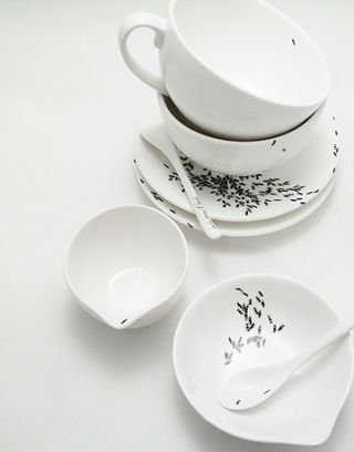 ant pattern dishes