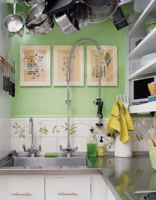 tall arched pull-out faucet