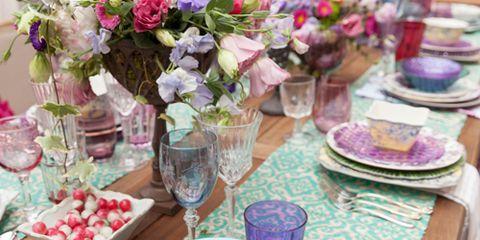 Serveware, Dishware, Tablecloth, Porcelain, Textile, Table, Drinkware, Bouquet, Furniture, Pink,