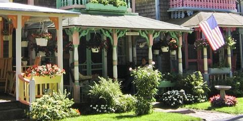 Roof, House, Real estate, Home, Garden, Shade, Flowerpot, Cottage, Siding, Awning,