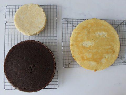 Food, Plate, Ingredient, Cuisine, Recipe, Snack, Baked goods, Cooking, Dessert, Biscuit,