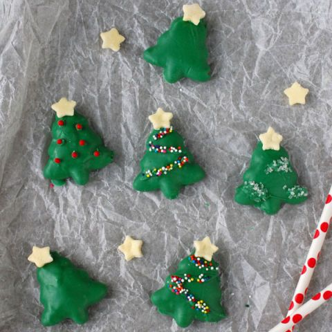 peanut butter pretzel christmas trees