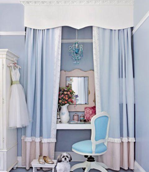 desk in girls bedroom