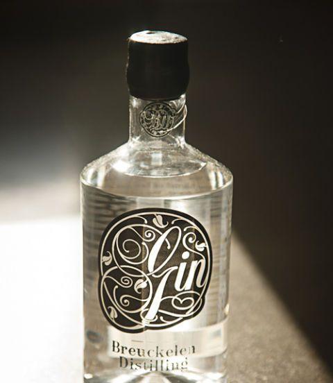 Liquid, Fluid, Glass bottle, Product, Glass, Bottle, Drinkware, Drink, Alcoholic beverage, Barware,