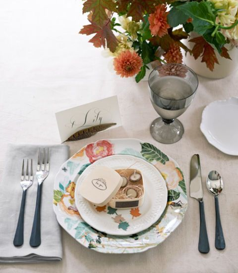 Serveware, Dishware, Cutlery, Tableware, Fork, Kitchen utensil, Centrepiece, Linens, Plate, Tablecloth,