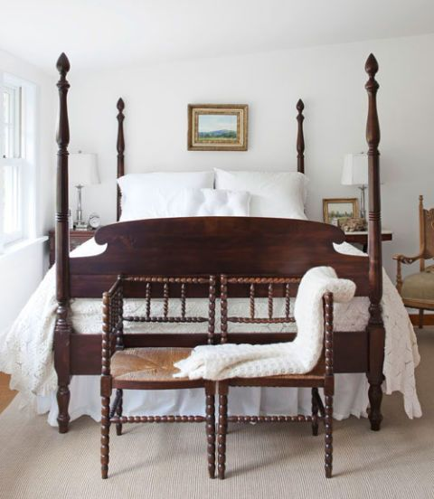 Juxtaposition Of Traditional And Contemporary Elements In Interior Design: How To Decorate A White Bedroom