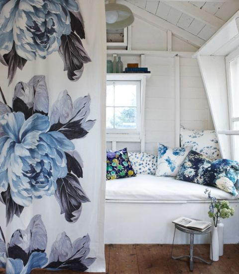 Blue and white decor blue botanical home accessories - Blue home decor accessories ...