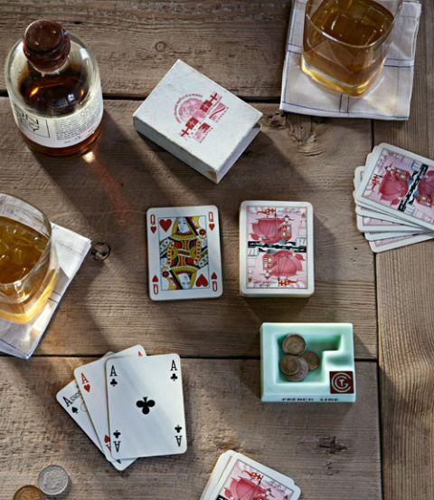 Alcohol, Drink, Drinkware, Alcoholic beverage, Serveware, Tableware, Distilled beverage, Barware, Liqueur, Carmine,